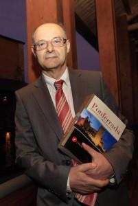 Presentacion del libro ponferrada artística y monumental de Tito fernández /
