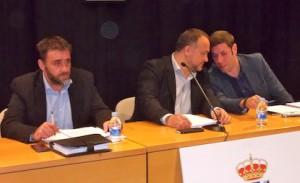 David Voces, Gerardo Álvarez e Iván Alonso, en el pleno del Consejo